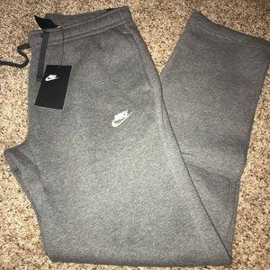 NWT Nike club fleece sweatpants